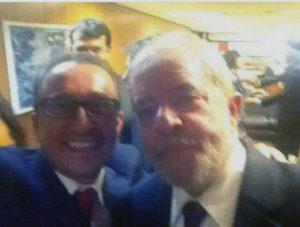 Selfie de Favreto com Lula