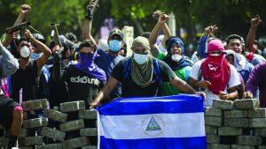 Jovens nas barricadas levantadas contra as milícias do sandinista Ortega, em numerosas cidades da Nicaragua.