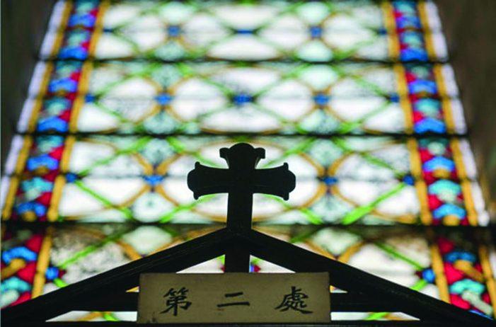 Na China, perseguição a todo símbolo cristão