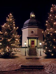 Capela de Oberndorf, construída no lugar em que ficava a igrejinha de São Nicolau, onde se interpretou pela primeira vez o Stille Nacht
