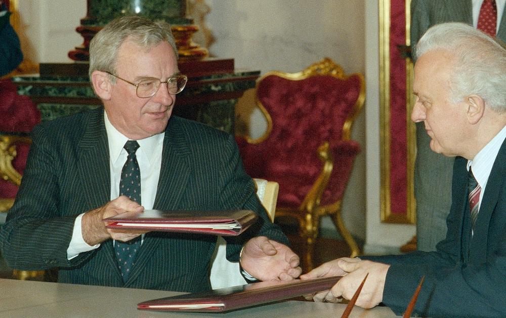 O governador-geral Bill Hayden, em 1987