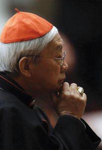 """Para o Cardeal Zen, o acordo com Pequim seria """"uma rendição, uma venda, um suicídio""""."""
