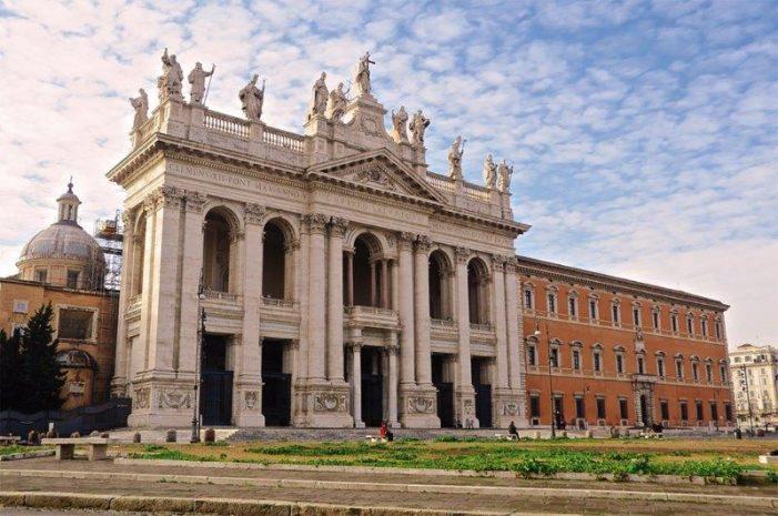 A Basílica de São João de Latrão e o Arco do Triunfo