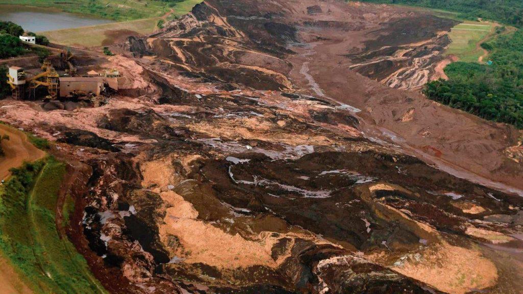 O desastre decorrente do rompimento da barragem da Vale, em Brumadinho, deixou marcas indeléveis, não só na região, mas também em toda a opinião pública brasileira