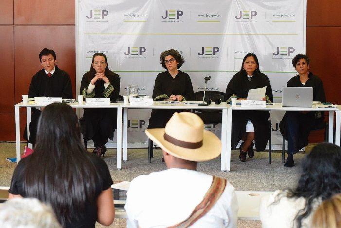 Tribunais colombianos tiram a máscara e proclamam a impunidade das FARC