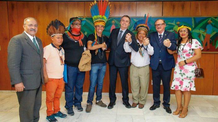 Índios denunciam ao Presidente Bolsonaro exploração de ONGs