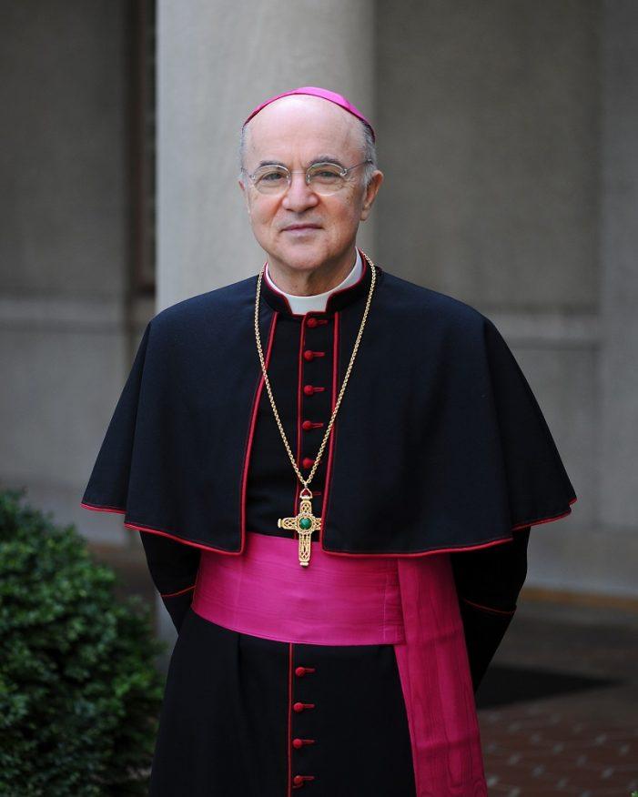 """Mons. Viganò: """"A abominação de ritos idolátricos penetrou no santuário de Deus"""""""