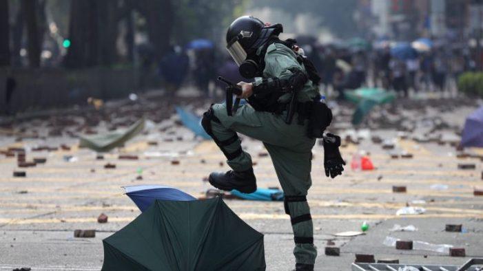 Hong Kong não teve paz para comemorar o Ano Novo