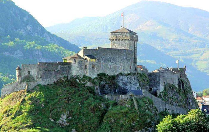Castelo de Lourdes: marco vitorioso contra o Islã