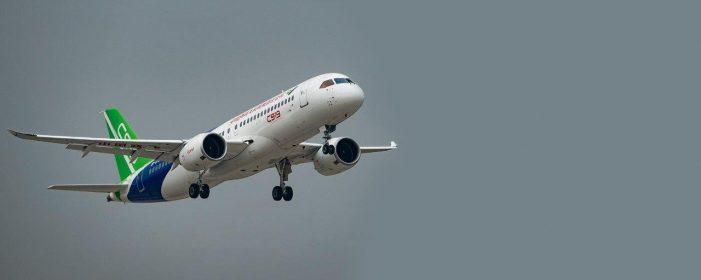 """China """"pirateia"""" primeiro avião comercial médio"""