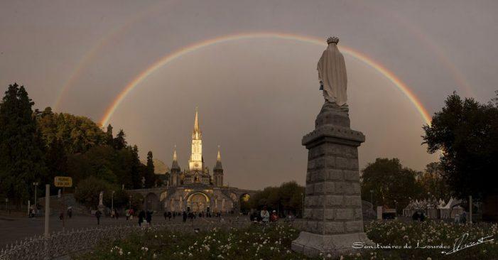 No Dia da Anunciação, o simbólico Arco-Íris surgido em Lourdes
