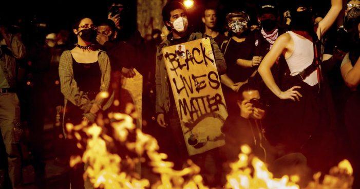 Vandalismo revolucionário movido pelo ódio à civilização