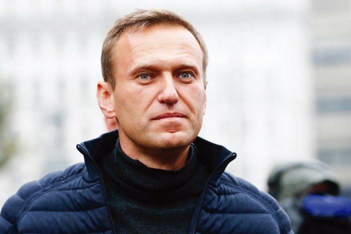 Democracia de Putin: cárcere e envenenamento de opositores