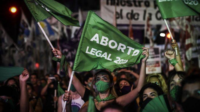 Oh Argentina! A que divinas punições tu te expões com a aprovação da lei que decreta a morte de inocentes?