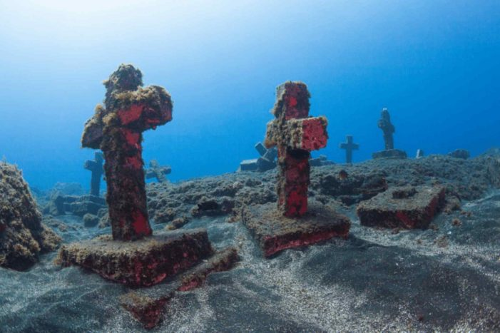 Cemitério submarino para os 40 mártires brasileiros