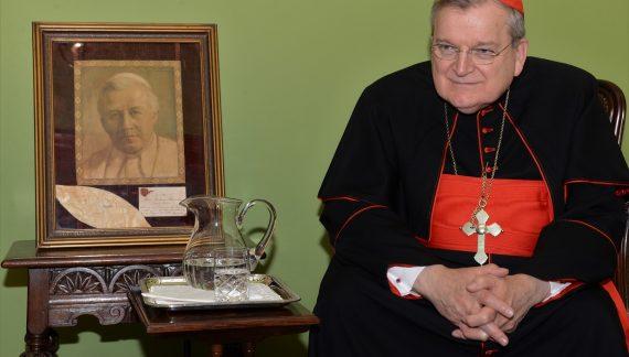 Cardeal Raymond Burke adverte contra o perigo chinês