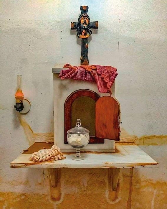 Inundação de igreja cobre o sacrário, mas não atinge as hóstias