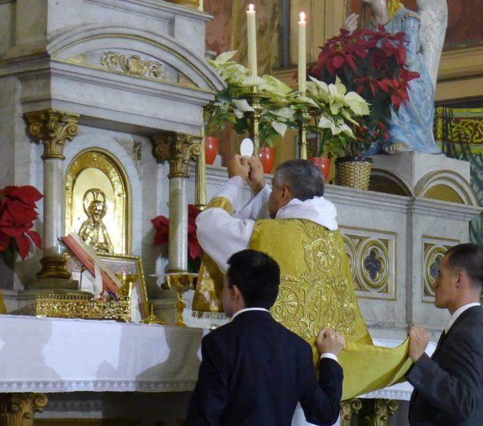 Os fiéis têm pleno direito de se defenderem de uma agressão litúrgica – mesmo quando esta provém do Papa