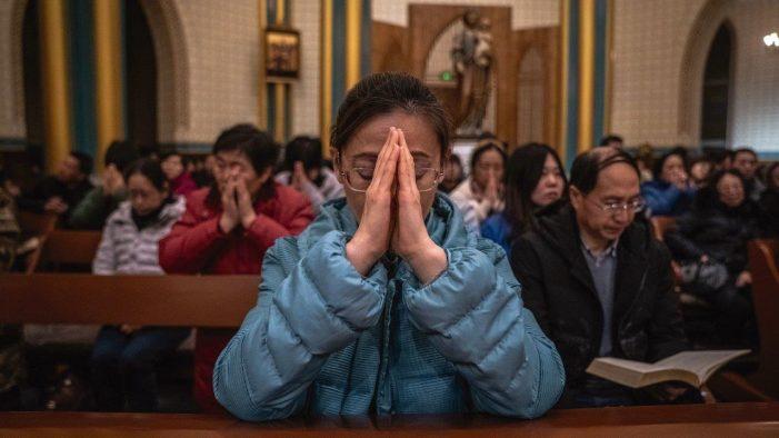 Humilhação religiosa no centenário do PCCh